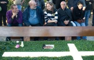 Panchina accanto alla Tomba di Don Oreste