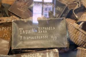 La valigia di Raphaela e Sara Tausik